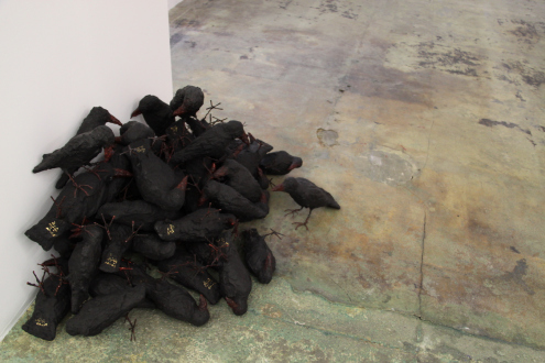 Looped and Layered – Contemporary Art from Tehran - Bita Fayyazi Crows, 1998-2009. Fiberglass, metal wire, acrylic paint, 8-10 in tall (each).