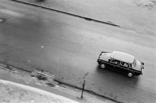 Pablo Bartholomew – Outside In - A Black and Yellow Taxi in Bombay, 1974. Gelatin silver print, edition of 10 (+3 AP), 16 x 24 in.