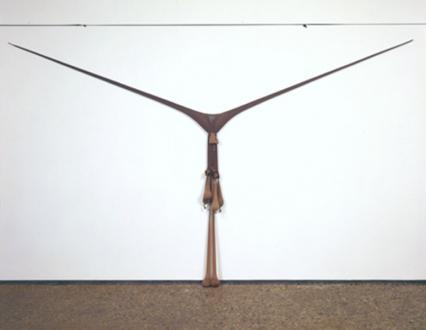 Senga Nengudi – Répondez s'il vous plaît - Senga Nengudi, R.S.V.P. 1975-77. Nylon mesh, sand, 4 x 10 feet.