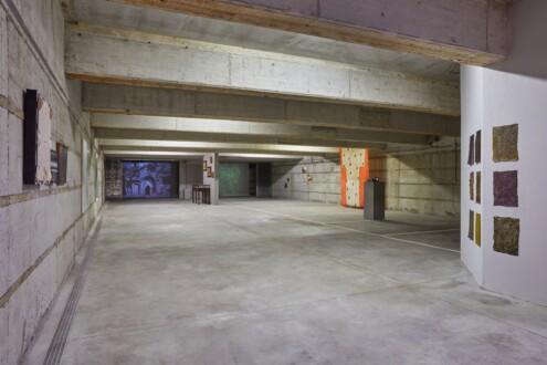 PAINTING STONE - Installation view, <i>PAINTING STONE</i>, Villa Lontana, Rome (photo: Simon d'Exéa).